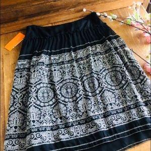 NEW CYNTHIA STEFFE Black & White Silk Skirt-Size 6